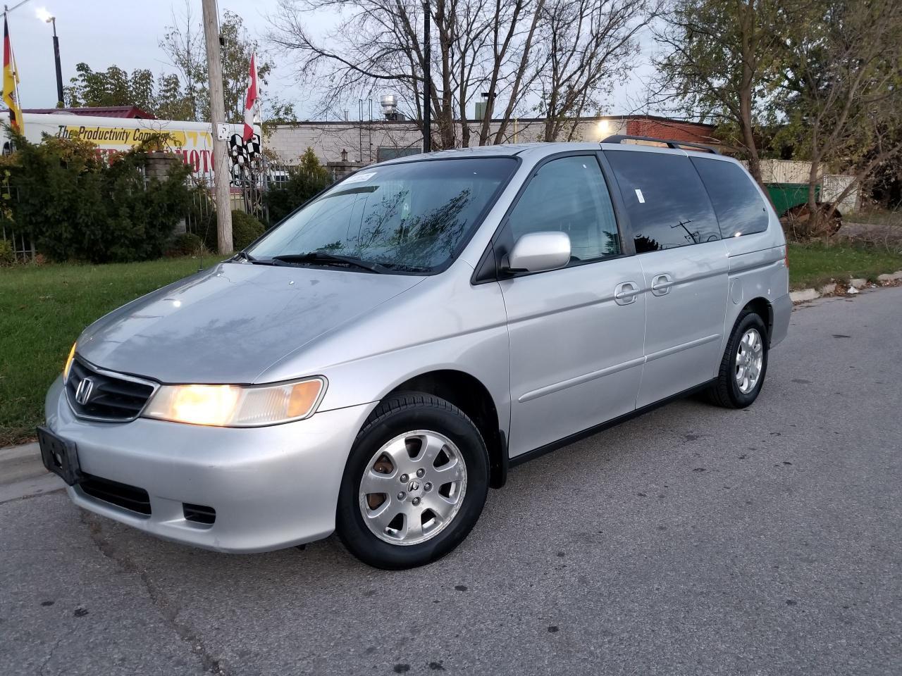 Photo of Silver 2004 Honda Odyssey