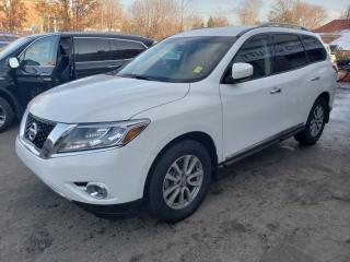 Used 2014 Nissan Pathfinder 4WD 4dr - Leather, Navigation, Heated Seats for sale in Toronto, ON