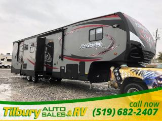 Used 2014 Forest River Vengeance 320A Toy Hauler. Fifth Wheel. for sale in Tilbury, ON