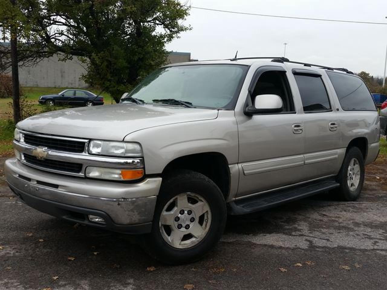 2004 Chevrolet Suburban LT 4X4