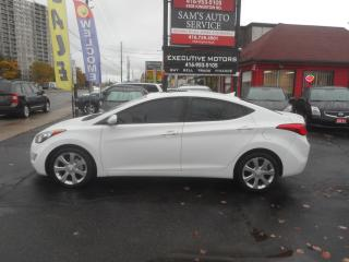 Used 2011 Hyundai Elantra LIMITED / LOADED / NAV / LEATHER /ROOF / LIKE NEW/ for sale in Scarborough, ON