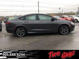 Used 2015 Chrysler 200 S  -  - Navigation - Leather Seats for sale in St Catharines, ON