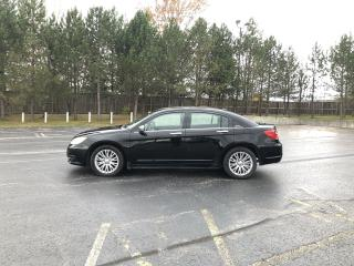 Used 2013 Chrysler 200 Limited FWD for sale in Cayuga, ON