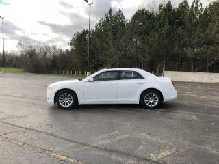 Used 2013 Chrysler 300 RWD for sale in Cayuga, ON