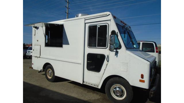 1989 Chevrolet P30 food truck 10.5 foot