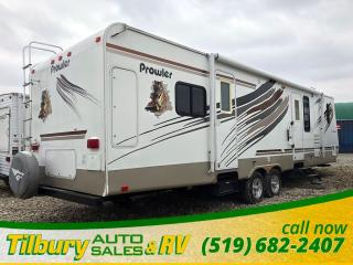 Used 2009 Fleetwood Prowler 320FKDS *Dinette. Gorgeous* for sale in Tilbury, ON