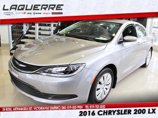 Used 2016 Chrysler 200 LX for sale in Victoriaville, QC