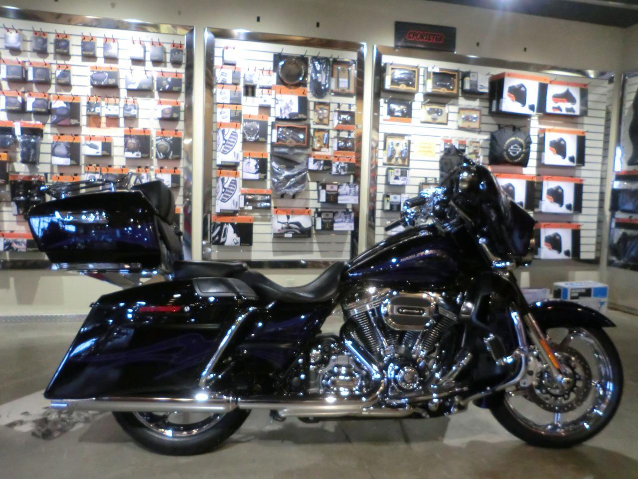 2016 Harley-Davidson CVO FLHXSE STREET GLIDE CVO