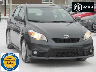 Used 2011 Toyota Matrix S w/SUNROOF for sale in Ottawa, ON
