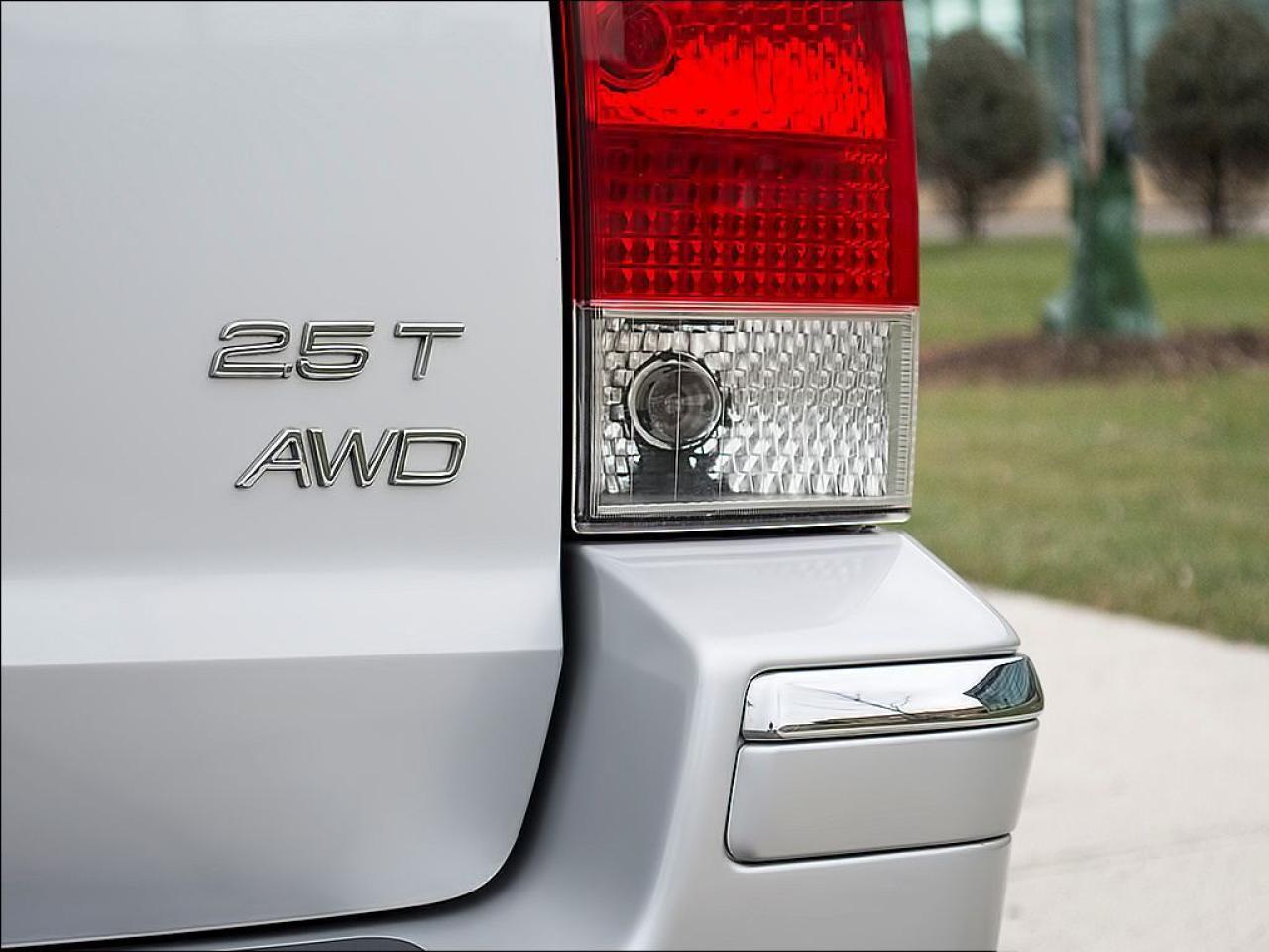 2006 Volvo V70 2.5T|AWD|LEATHER|ROOF|ALLOYS|SPOILER