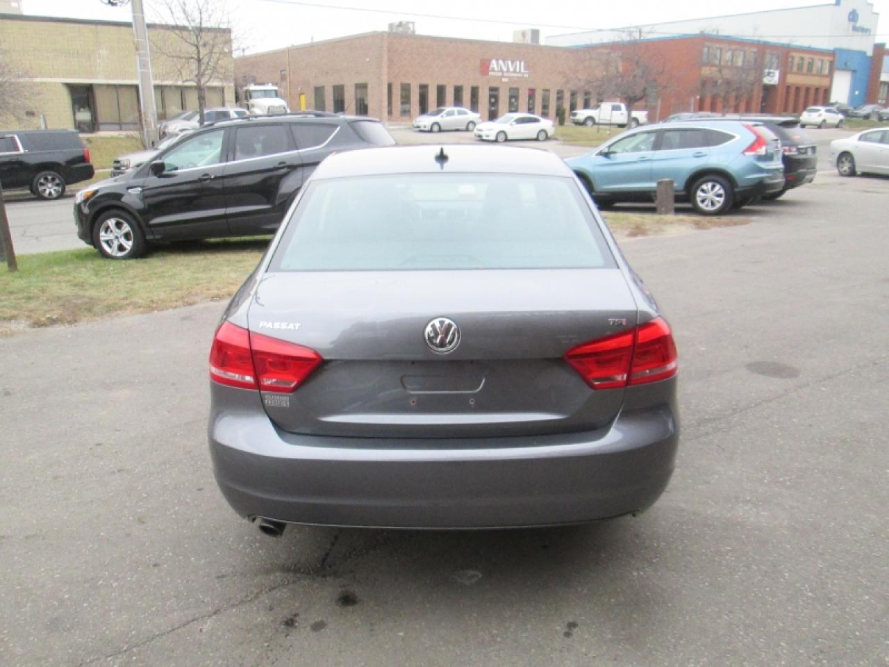 2015 Volkswagen Passat NO ACCIDENT  LEATHER   SUNROOF   REAR CAM   BIG SCREEN