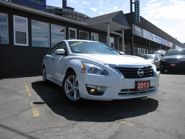 2013 Nissan Altima 2.5 SL ACCIDENT FREE, Navigation, SUNROOF, Heated Steering Wheel, Rearview Camera, Heated Seats, Leather Seats,