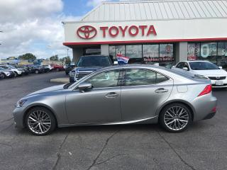 Used 2017 Lexus IS 300 Premium AWD , moonroof , Leather for sale in Cambridge, ON