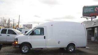 Used 2010 Chevrolet Express 3500 12 ft bubble van for sale in North York, ON