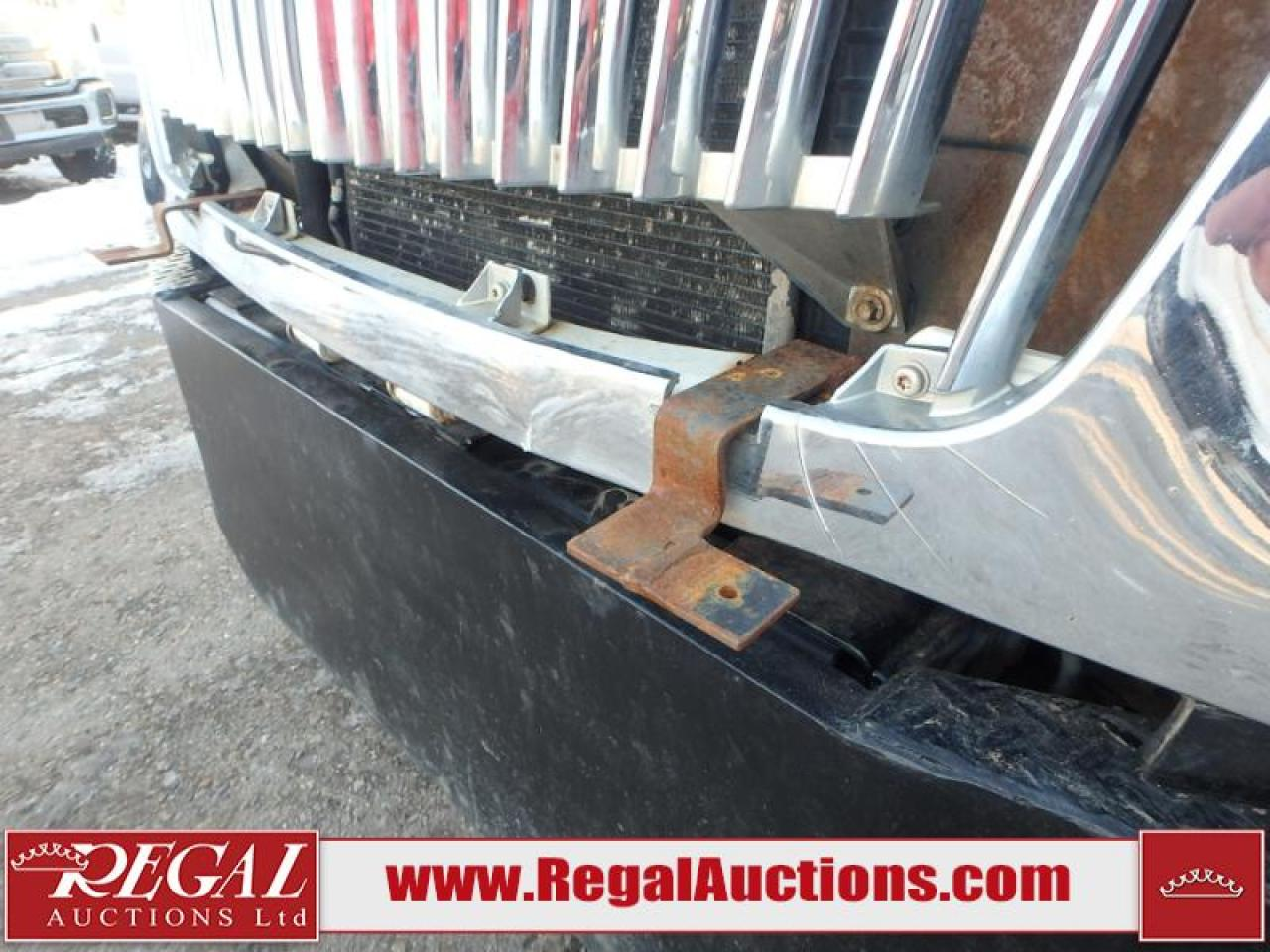 2005 International 4300 S/A Crew CAB Flat Deck