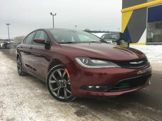 Used 2015 Chrysler 200 S AWD V6 TOIT PANO. SIÈGES CHAUFFANT for sale in Lévis, QC