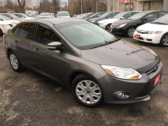 2012 Ford Focus SE/ ONLY 42K/ AUTO/ POWER GROUP/ LOADED!