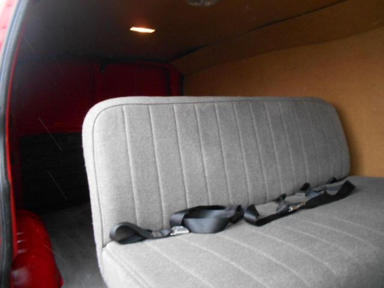 2006 GMC Savana 1500 5Passenger Cargo 4.3L V6 ONLY 68,000KMs