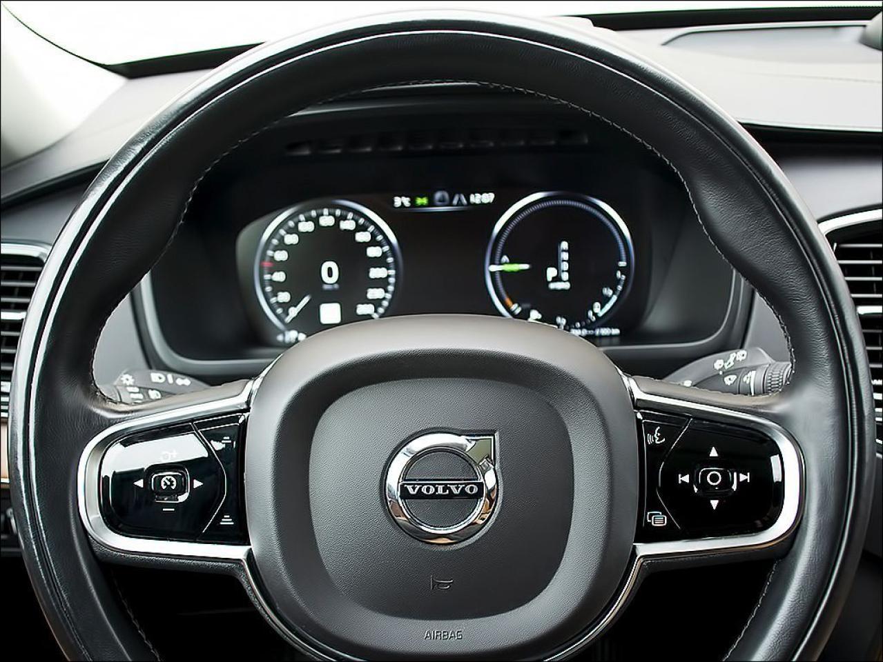 2016 Volvo XC90 HYBRID|T8|INSCRIPTION|BOWERS & WILKINS STEREO|7 SE