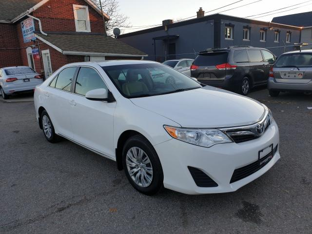 2014 Toyota Camry LE Photo3