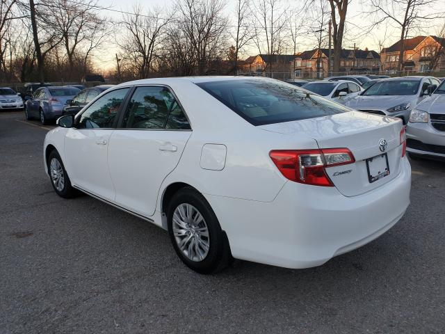2014 Toyota Camry LE Photo6