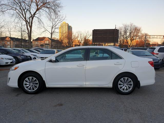 2014 Toyota Camry LE Photo9