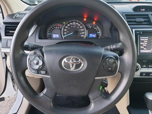2014 Toyota Camry LE Photo19