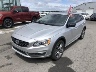 Used 2017 Volvo V60 V60 CROSS COUNTRY T5 AWD, CUIR, GPS for sale in Lévis, QC