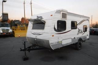 Used 2015 Jayco Jay Flight SLX 184BH 18 Foot Travel Trailer for sale in Burnaby, BC