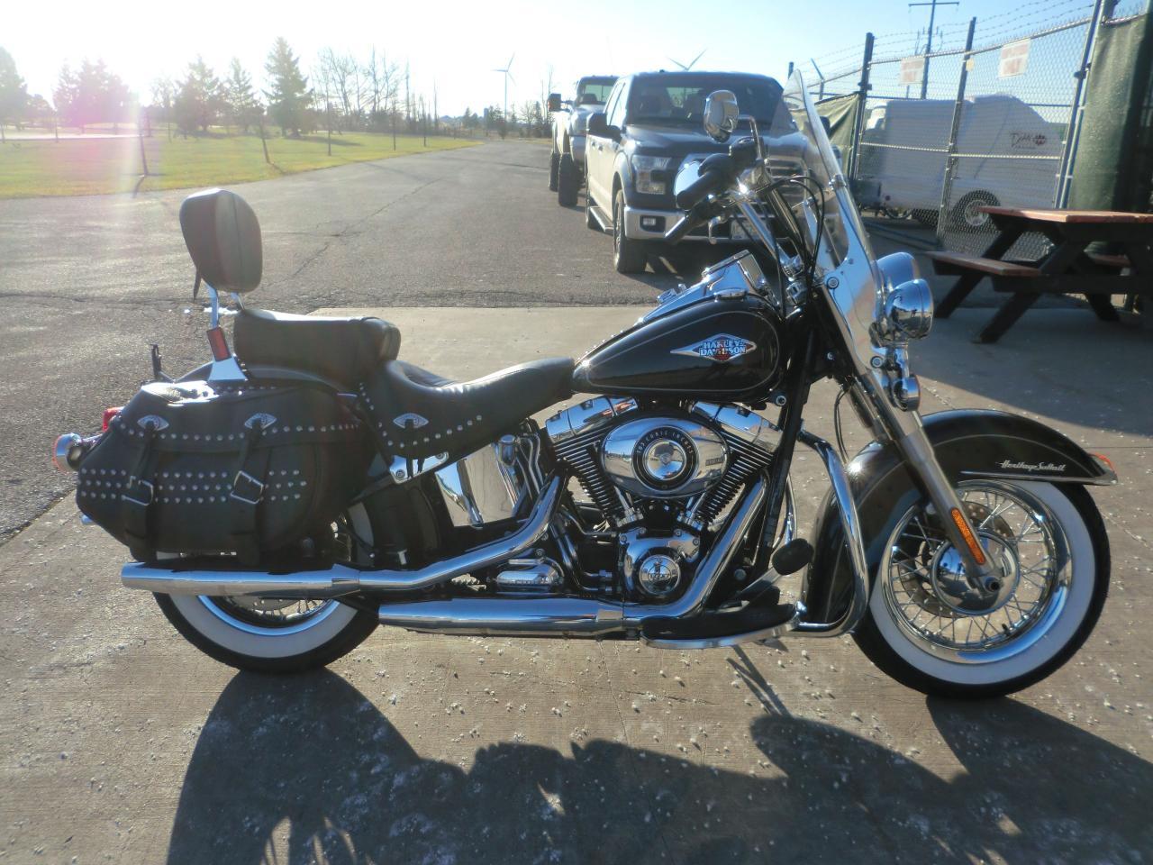 2013 Harley-Davidson Heritage Softail Classic FLSTC103