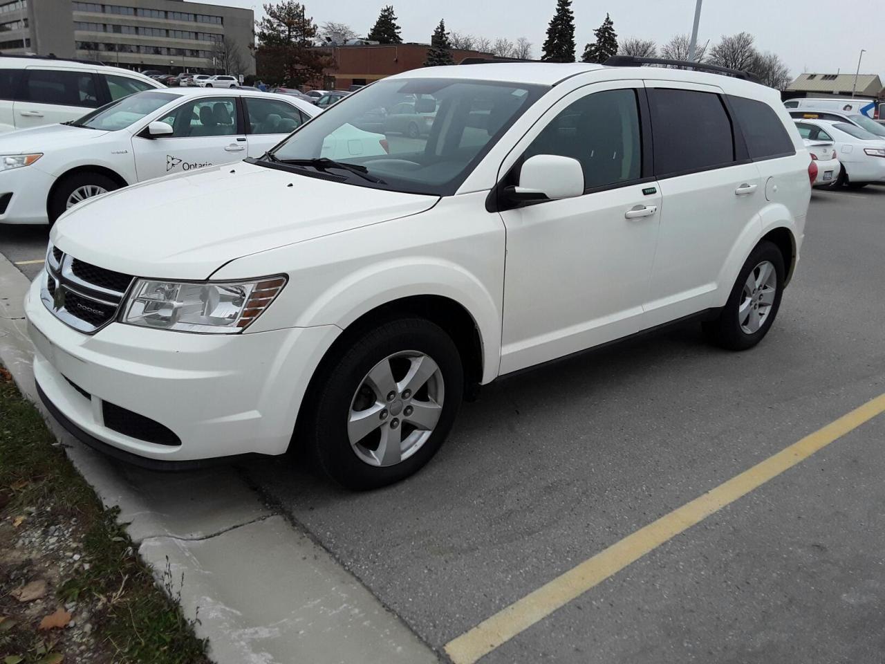 Photo of White 2011 Dodge Journey