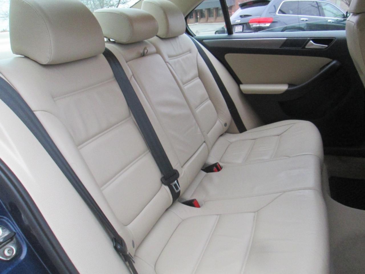 2013 Volkswagen Jetta TDI   HIGHLINE   NAVIGATION   LEATHER   SUNROOF   HTD SEATS