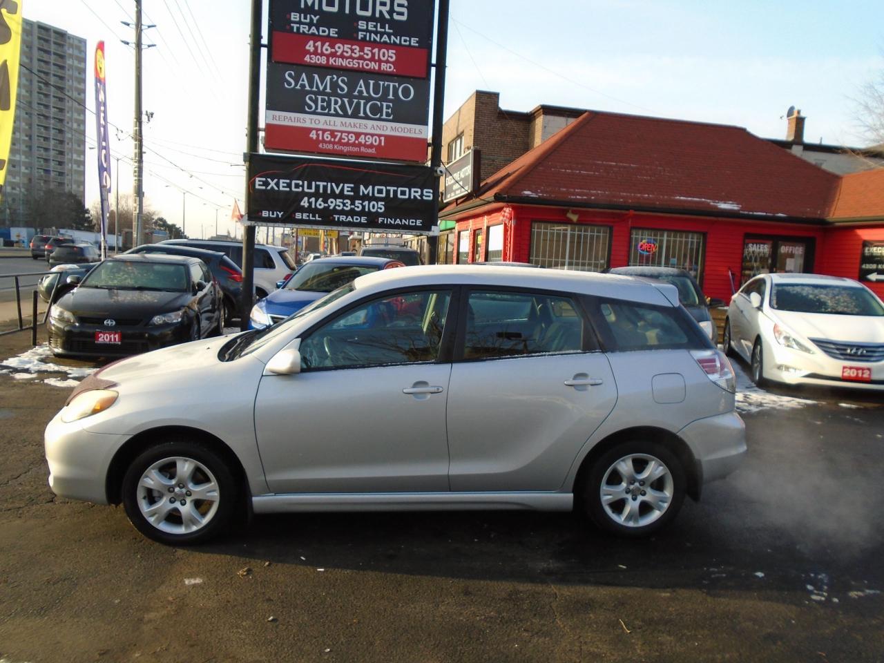 2005 Toyota Matrix XR/ MANUAL / XR / LOADED/ PWR GROUP/ ALLOYS / MINT