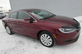 Used 2016 Chrysler 200 Berline 4 portes LX, traction avant for sale in Montmagny, QC