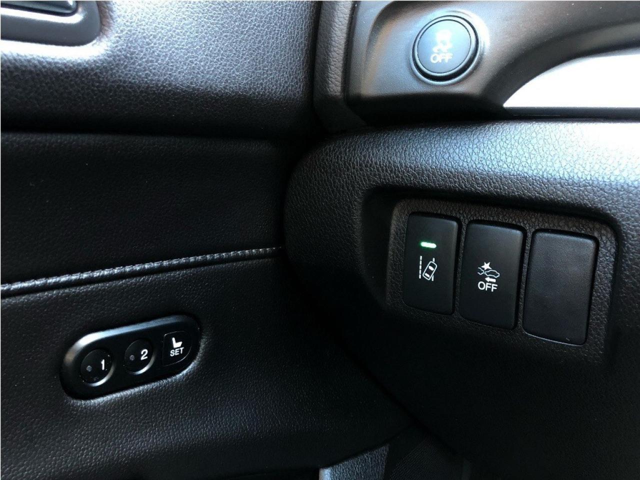 2017 Acura ILX Premium Pkg - Leather - Sunroof - Rear Camera
