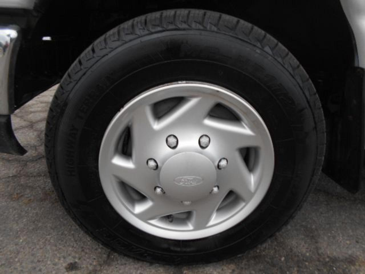 2012 Ford E150 CARGO 4.6L V8 Loaded Divider Shelving Bins 129Km