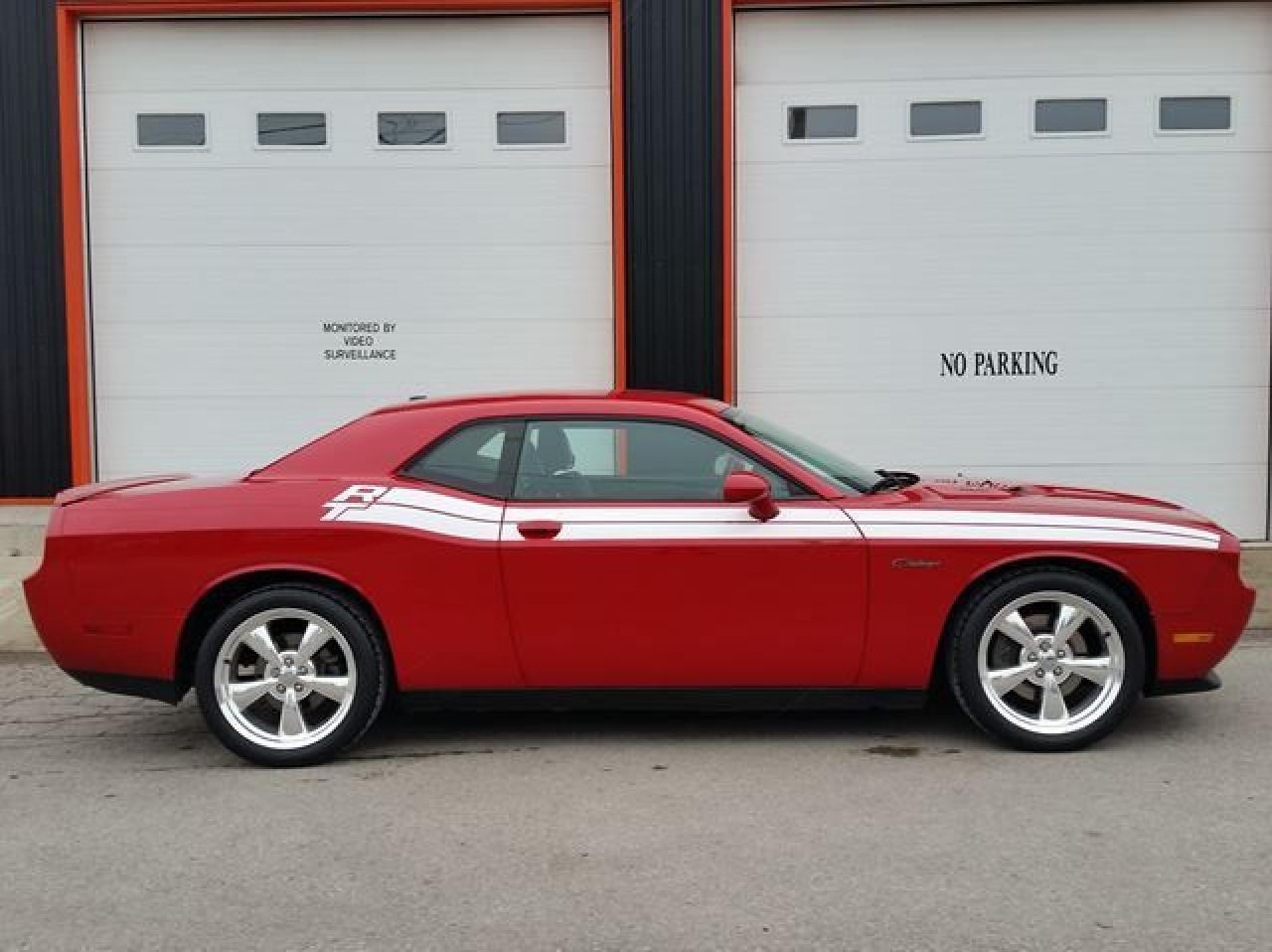 2012 Dodge Challenger R/T Coupe HEMI