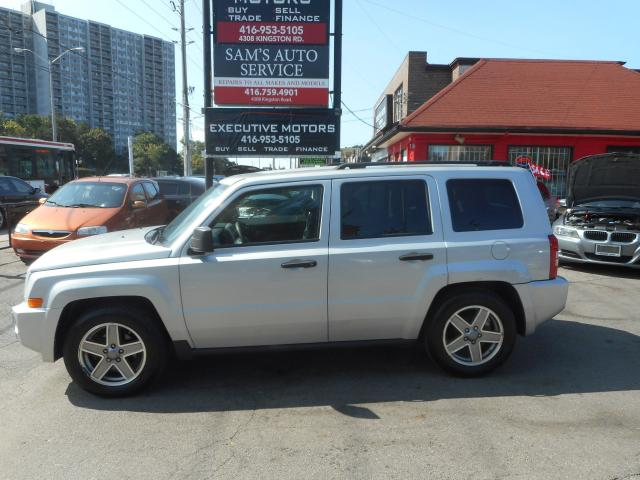 2009 Jeep Patriot SPORT/ 4X4/ ALLOYS / NEW BRAKES / CERTIFIED /MINT