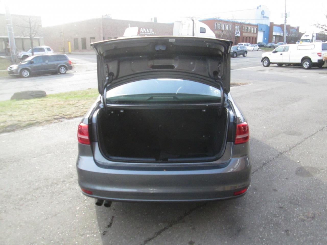2015 Volkswagen Jetta NO ACCIDENT | BIG SCREEN | REAR CAM | HEATED SEATS | B/T