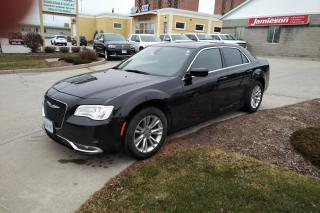 Used 2017 Chrysler 300 LIMITED RWD for sale in Kitchener, ON