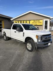 Used 2017 Ford F-250 SUPER DUTY XLT SUPERCAB 4X4 SRW for sale in Smiths Falls, ON