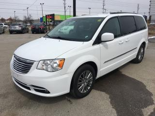 Used 2014 Chrysler Town & Country Touring-L for sale in London, ON