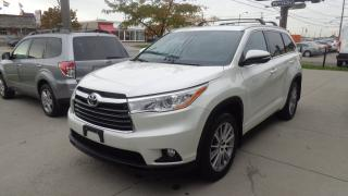 Used 2016 Toyota Highlander XLE LEATHER SUNROOF NAVIGATION 8PASS for sale in Etobicoke, ON