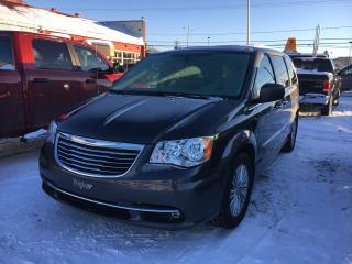 Used 2016 Chrysler Town & Country TOURING for sale in Val-D'or, QC