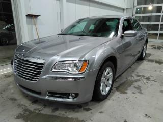 Used 2013 Chrysler 300 CUIR TOIT PANO for sale in Lévis, QC