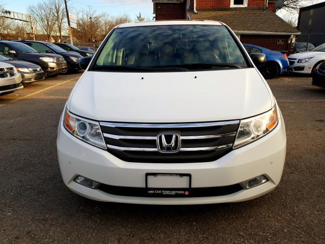 2011 Honda Odyssey Touring Photo2