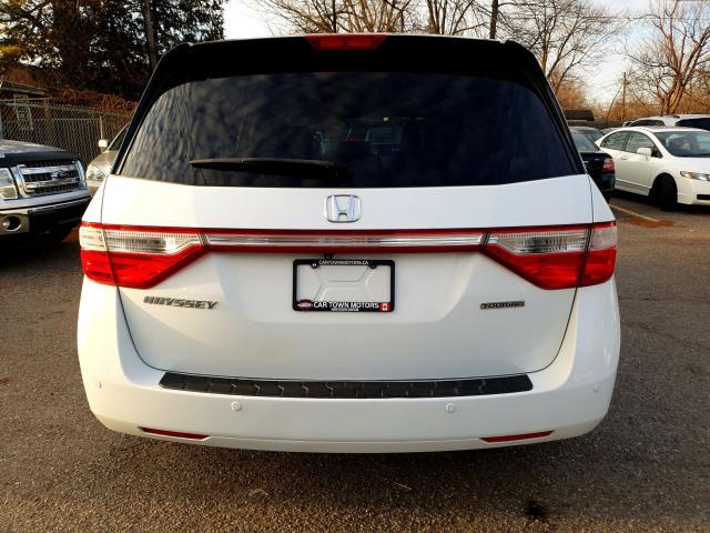 2011 Honda Odyssey Touring Photo5