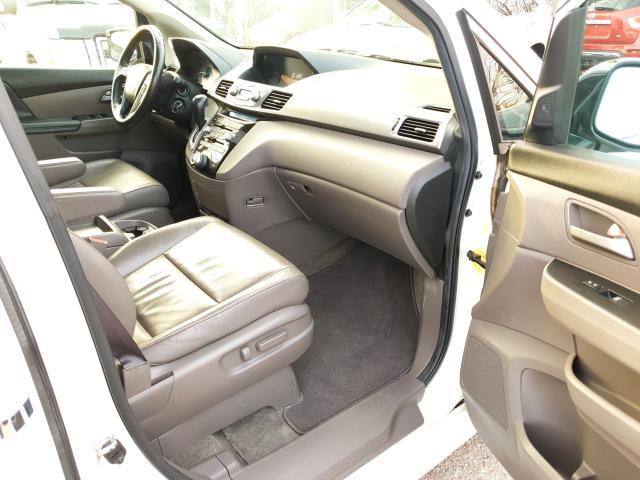2011 Honda Odyssey Touring Photo29