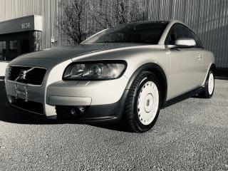 Used 2009 Volvo C30 2.4i -  Two Sets of Tires & Wheels for sale in Mississauga, ON
