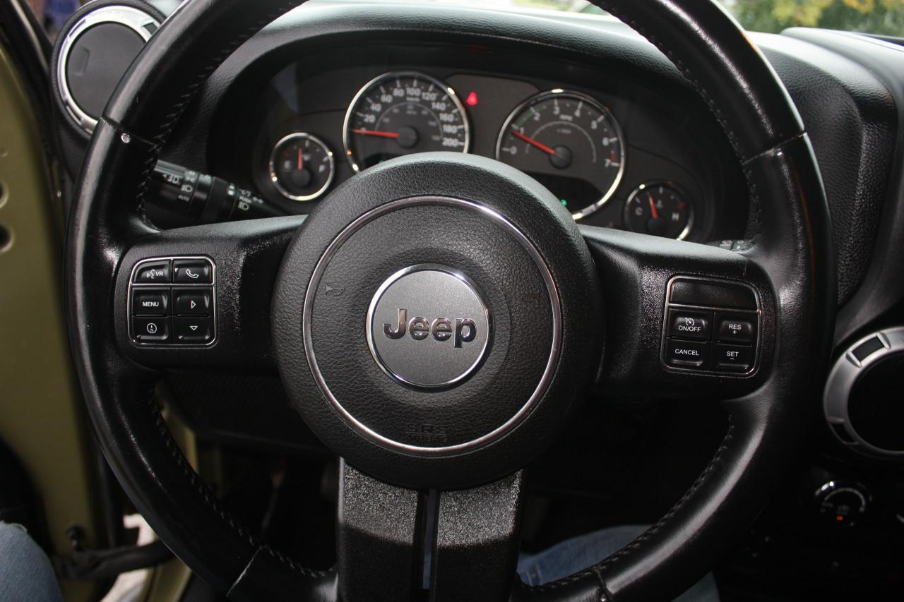 2013 Jeep Wrangler Rubicon *UPGRADED*